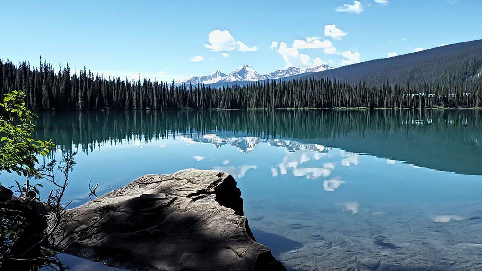 Canada-lac-autentika-voyages